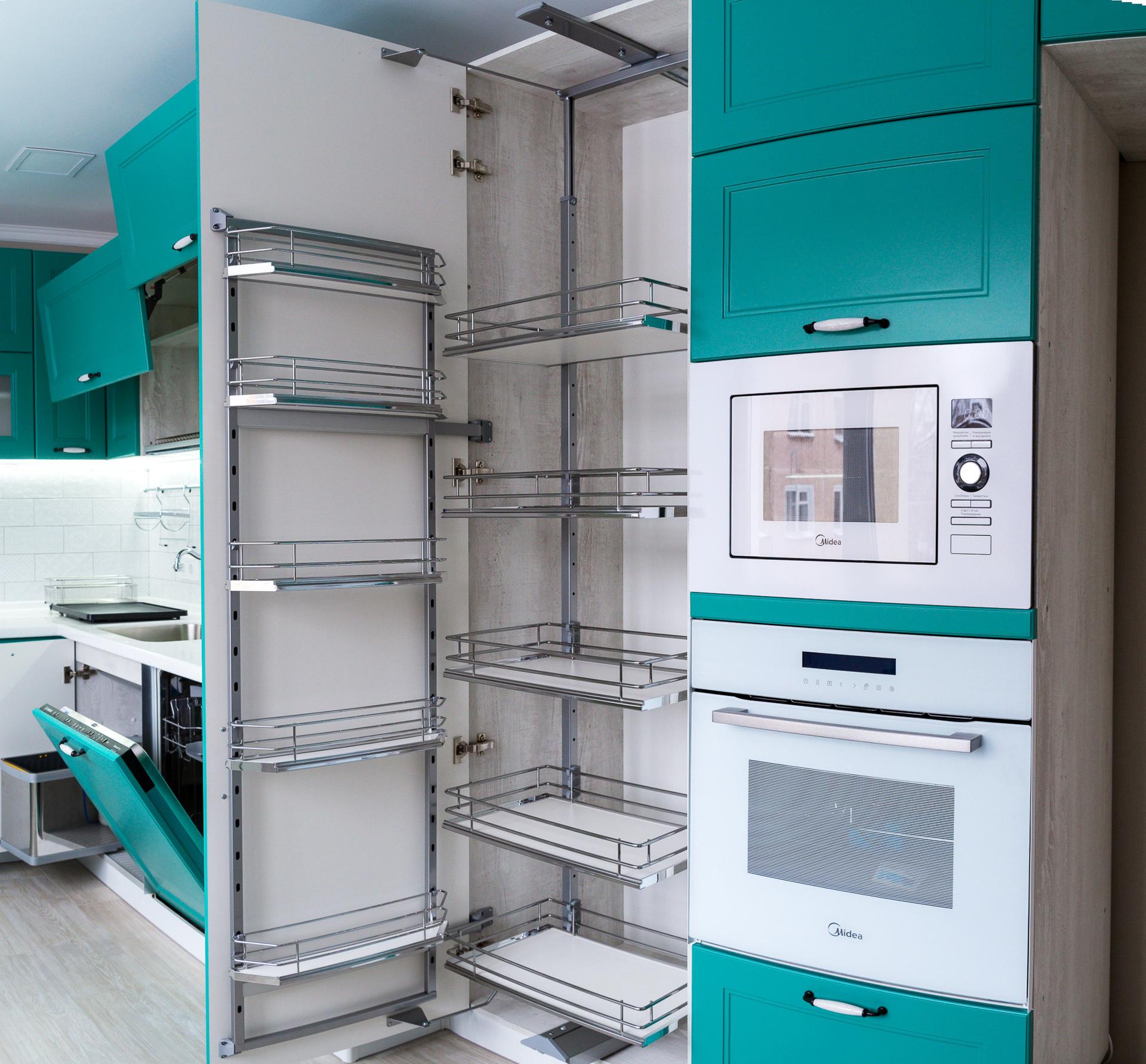 Современная кухня в бирюзовом цвете