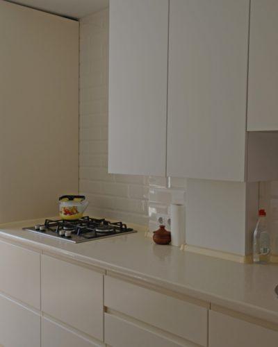 Кухня на заказ цвета крем-брюле