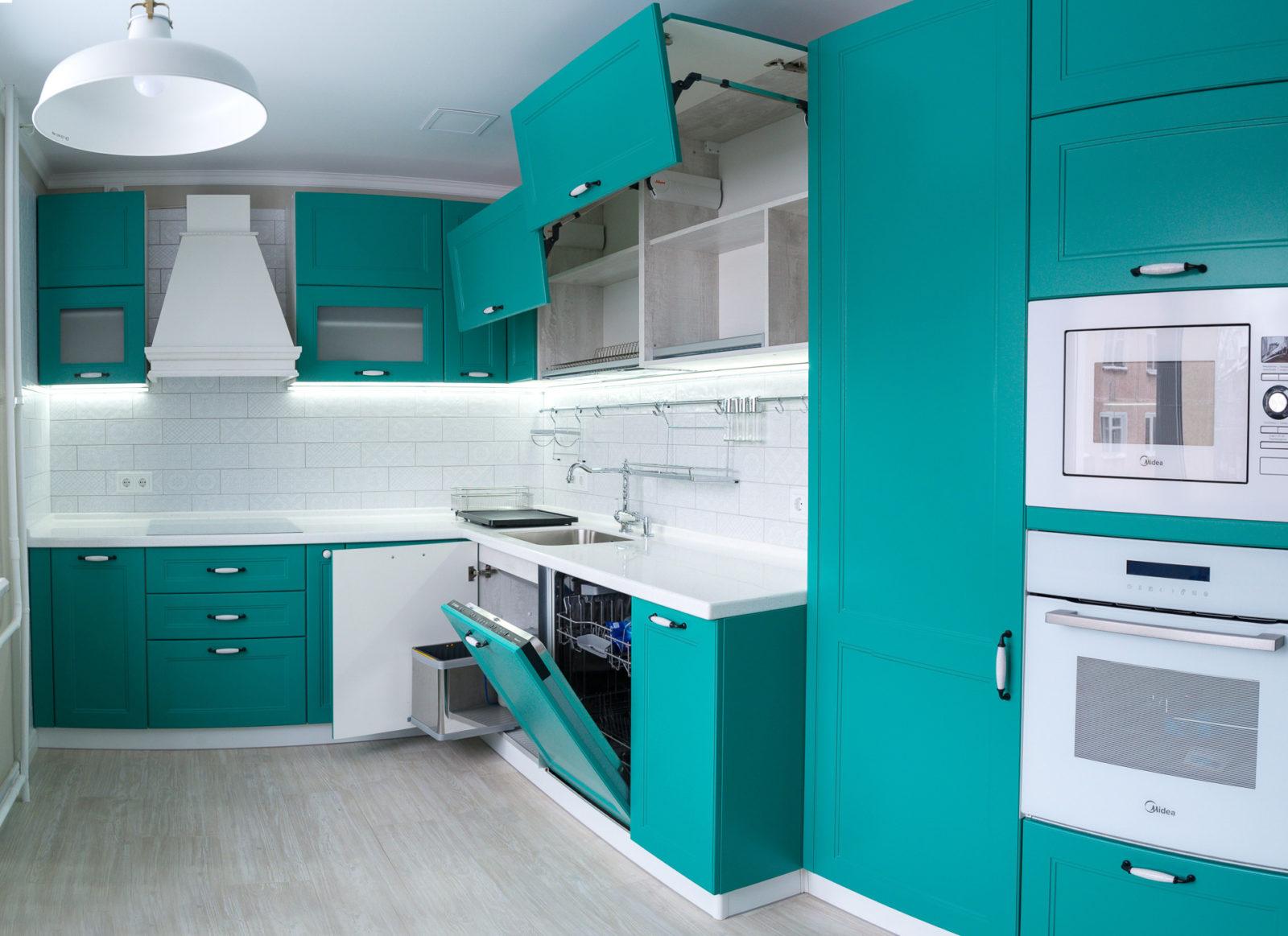 кухня бирюзовая с серым фото реально
